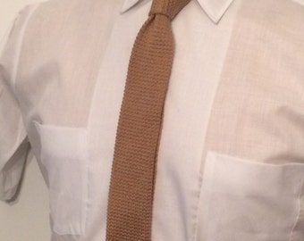 Vintage MENS Wembley tan cotton knit skinny tie with squared ends