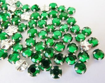 50 vintage sew on rhinestones, Ø5mm, emerald green, round
