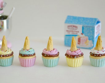 Play Scale 1:6 Scale Ice Cream Cone Cupcakes