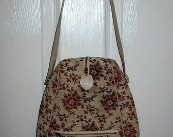 Vintage 1960s Floral Tapestry Zip Front Shoe Bag Caddy Only 10 USD