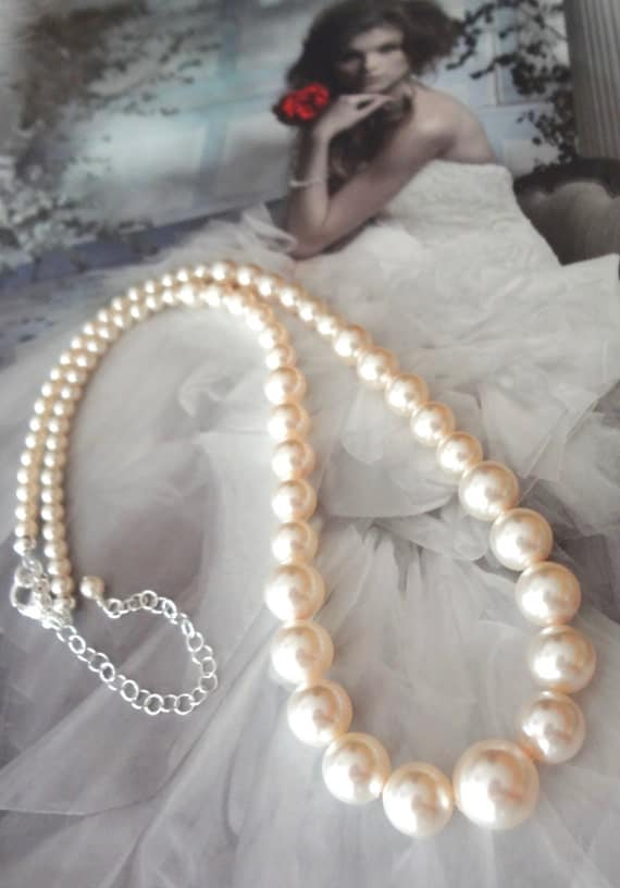 Pearl necklace - Classic - Swarovski flawless pearls - Graduating pearl necklace ~ Bridal jewelry - Bridesmaids - Wedding necklace ~ Gift  ~