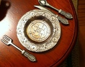 Pewter for Dollhouse Dinning, Pewter plates, 4 plates, 12 Pc Flatware