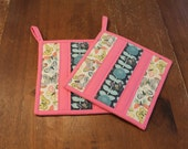 Quilted Pot holder Set, Insulated Hot pads, Floral and Butterfly Potholders, Pink, blue, Grey, fabric trivet, Kitchen Decor, oven mit