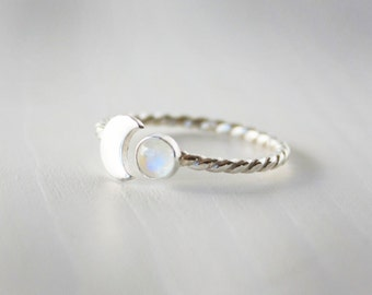 Rainbow moonstone and crescent moon ring. Sterling silver moonstone ring. Twist band crescent ring with rainbow moonstone. RTS SRS04