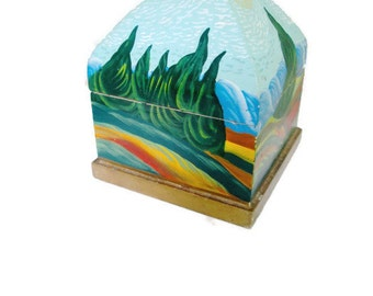 Wooden Foreside Painted Box Hinged 1980s