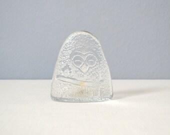 Vintage Bengt Edenfalk Skruf of Sweden Etched Glass Owl Paperweight