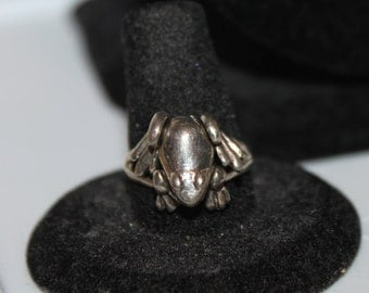 Vintage Sterling Silver Animated Frog Ring