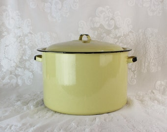 Antique Lemon Butter yellow Enamel Stock Pot w/Lid- French Country Style - Vintage Kitchenware- Large Pan with lid- Lemon Butter Yello