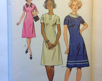 Simplicity Sewing Pattern 5094 70s Misses Dress Size 14