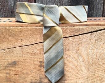 Vintage Tie Collar - Classic - Medium/Large