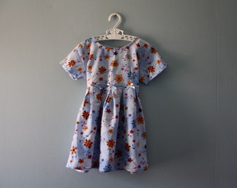 Vintage floral print baby dress / baby blue spring dress / new old stock / Size 2 / 18 to 24 months
