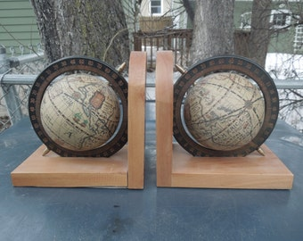 Pr Vintage World Globe Bookends Revolving Globe Wooden Bookends