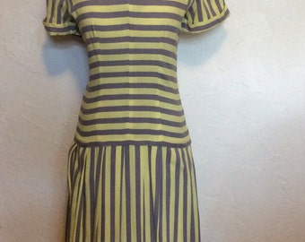 1930's 40's Adorable Seeing Stripes Dress S