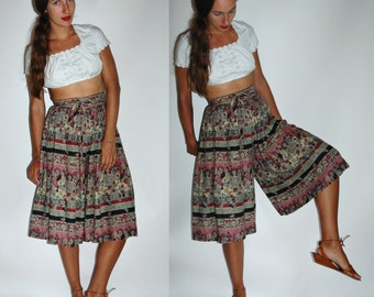 1970s Floral Printed Wide Leg Culottes