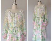 70s floral peasant style dress size small / vintage floral dress