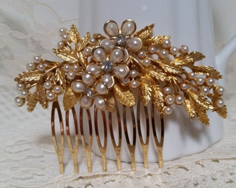 CLASSICAL VINTGE PEARL Bridal Hair Comb Assemblage Off White Cream Gold Elegant Rhinestones Wedding One of a Kind Heirloom Nature Inspired