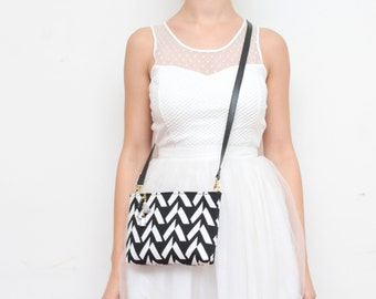 MODEST 14 / Simple cotton cross body purse with leather shoulder strap and leather tassels - Ready to Ship