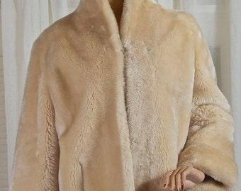 Creamy blonde womens mouton jacket. Timeless, wool, swing, winter. Midcentury, fur, Swing