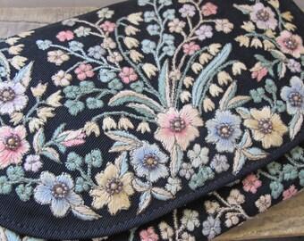 Bolsas ZITA, Rio, Brazil 1940's Retro Fabulous Fashion Handbag, Pocketbook, Purse, Top-Handle Bag, Embroidered & Beaded Floral Black