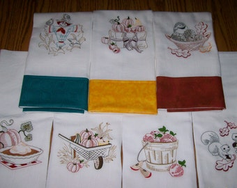 Autumn Bounty Floursack Towels with Matching Fabric Band.