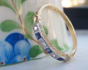 Heavenly Art Deco Natural Sapphire and Diamond Wedding Band. Superb Quality 18K Gold and Platinum. Ornate Engraving. Eternity/Stacking Band