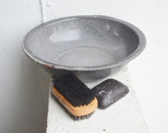 Vintage, Primitive Graniteware Wash Basin