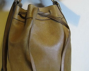 Gorgeous big DELVAUX, vintage, original , brown leather shoulder bag, Brussels, Belgium