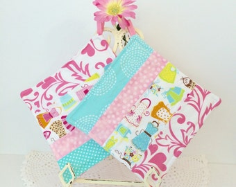 Scrappy Diva Hot Pads - Grandma's Apron Quilted Pot Holders - Kitchen Hot Pads