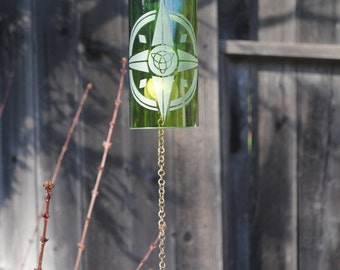 Scottish Compass Wine Bottle Windchime Green/Brass  - Garden Decor, Windcatcher, Eco Friendly, Green, Upcycle, Recycle, Winebottle
