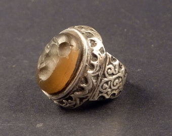 Old Middle East silver seal ring, bedouin ring, middle east jewelry, gemstone ring, ethnic tribal jewelry, oriental ring, size 7 1/4