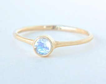 Yellow Gold Moonstone Ring 14k Gold Natural Moonstone Gold Ring Rainbow Moonstone Engagement Ring Alternative Engagement Ring