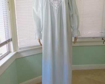 Womens LONG NIGHTGOWN/Willow Creek/Powder Blue Nightgown/Negligee/Blue N White/Summer Nightgown/Pajamas/Mad Men/60s Vintage Lingerie/Large