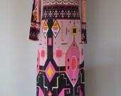 Long pink boho seventies dress, EU 38, synthetic.