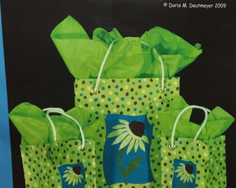 Gift Bag Pattern, Daisy Gift Bags by Fabrications, Pattern #SP07 to make Large and Small Bags, Quiltsy Destash Party