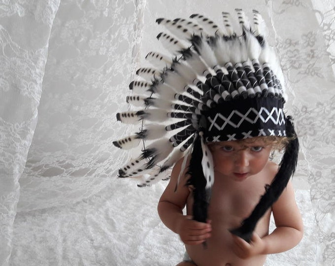 K04 From 2-5 years Kid / Child's: Black and White Headdress 20,5 inch. – 52 cm