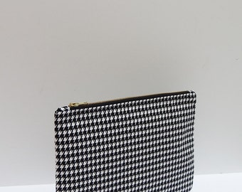 Houndstooth Clutch Purse, Gifts For Her, iPad Case, Tablet Case, Black & White Clutch, Monochrome Handbag, Large Pouch Bag, Accessories bag