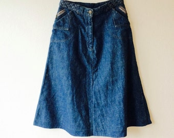 WEEKEND SALE! 30 % off. Awesome vintage 1970's highwaist denim skirt size x-small / small