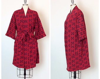 SALE /// 70s Navy and Red Knit Print Sweater Jacket / 1970s Vintage Towncraft Cardigan / One Size Fits Most
