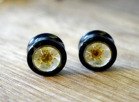 5/8 gauge earrings 16mm plugs real flower plugs tunnels green
