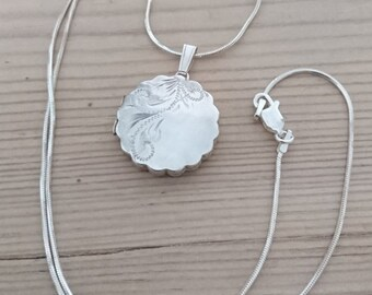 Vintage sterling silver locket and chain