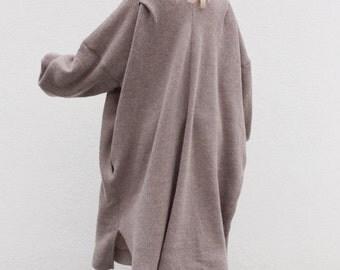 Oversized wool dress. Purplish brown minimalist dress. Tunic dress. V neck dress. Loose dress. Puff sleeves dress