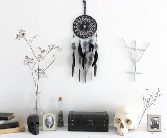 antre des pirates attrape r ve plume noir bleu cr ne de. Black Bedroom Furniture Sets. Home Design Ideas
