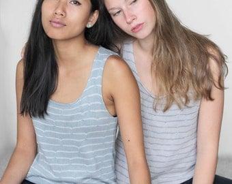 Baumwoll T-Shirt, Sommer Top, leicht und kühl, Muster, Streifen, grün mit grauen Streifen