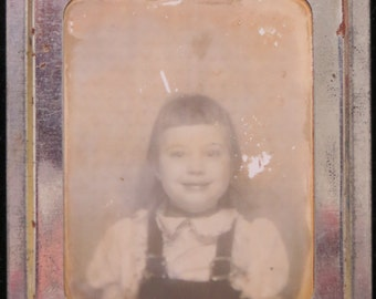 1940's Sweet Little Girl Photomatic Photo - Free Shipping