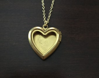 locket, locket necklace, antique locket, gold locket, heart locket, heart necklace, gold heart necklace, gold heart locket, heart pendant