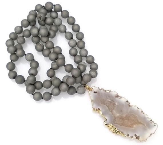 Charcoal Gray Druzy Stone Necklace, Druzy Pendant Necklace, Druzy Beaded Necklace, Hand Knotted Necklace
