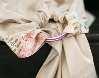 Baby ring sling - Baby Carrier - Beads as a gift - Beige