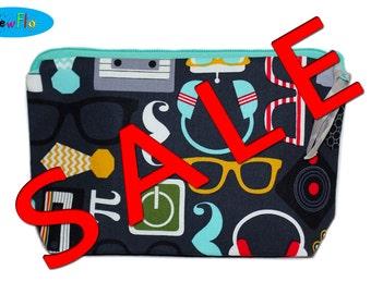 SALE Cosmetic Case   Makeup Bag   Zippered Pouch   Zipper Bag