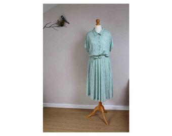 1930s 1940s style tea dress laura ashley style tea dress green floral tea dress size 12 14 dress cotton tea dress belted tea dress midi tea