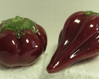 2 Vintage Hand Blown Murano , Italy Glass Tomatoes & Bell Pepper Sculptures.